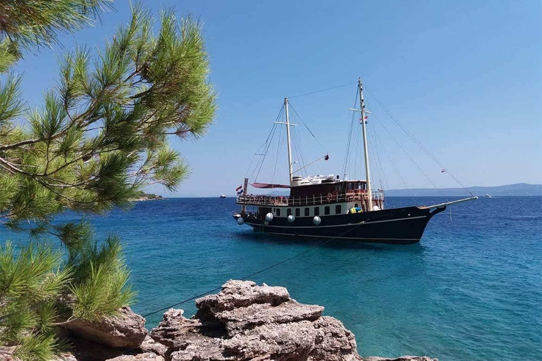 sailing cruise srag croatia 3