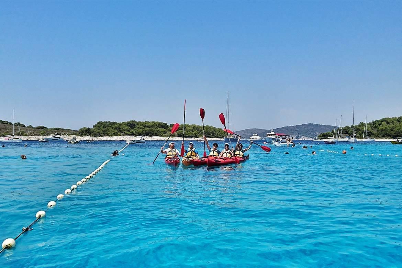 sea kayaking tour 5