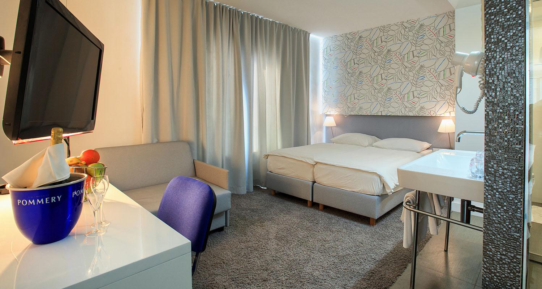 Triple bedroom